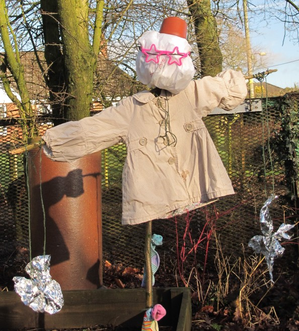 gardening blog, making a scarecrow